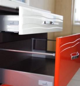 Кухня Оранж-9 Стол 40 с 3-мя ящиками плавного выдвижения ВИТРА