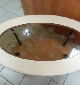 Стол журнальный «Маджеста-4″со стеклом ( ясень шимо)